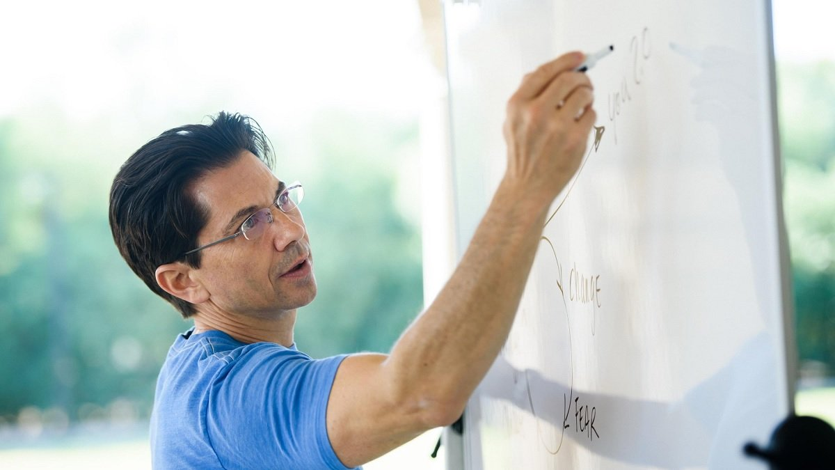 FREE LIVE Webinar with Dean Graziosi - KBB Course - Knowledge Broker Blueprint